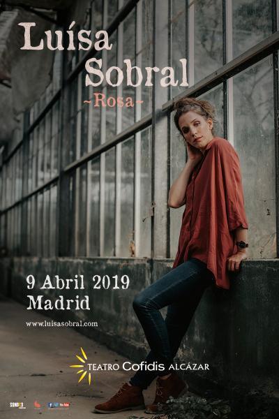 Luísa Sobral en concierto - Rosa